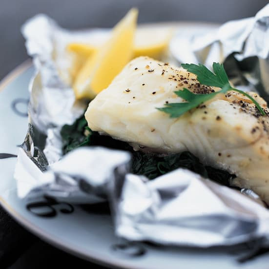 foil-baked-sea-bass-with-spinach-xl-r-200102